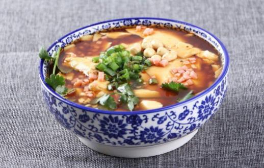 豆腐脑白如玉嫩如脂 豆腐脑的饮食文化【爱尽】