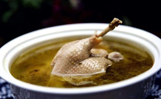 泡菜鸭子汤 在炎炎夏日喝一口回味无穷【离戈】