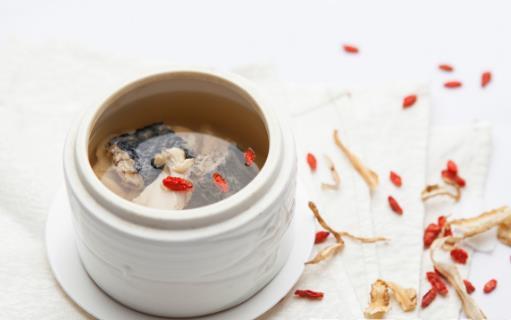 喝养生汤的误区小心误入 养生汤煲汤的必知技巧【及