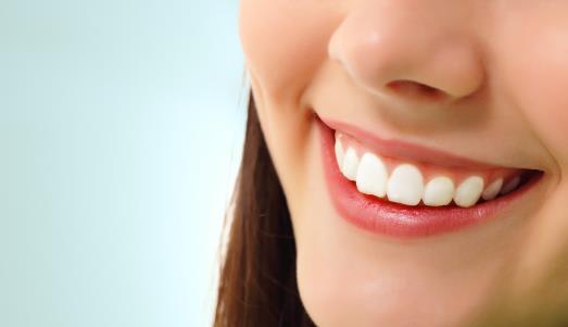 牙齿美白8个最好方法 损害牙齿的2个坏习性【彩寻】